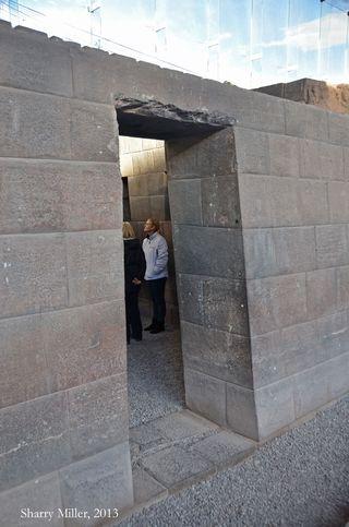 Single-Inca-doorway