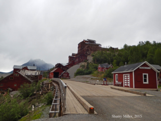 Bridge-into-Kennecott