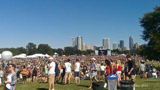 Crowds-toward-Austin-2